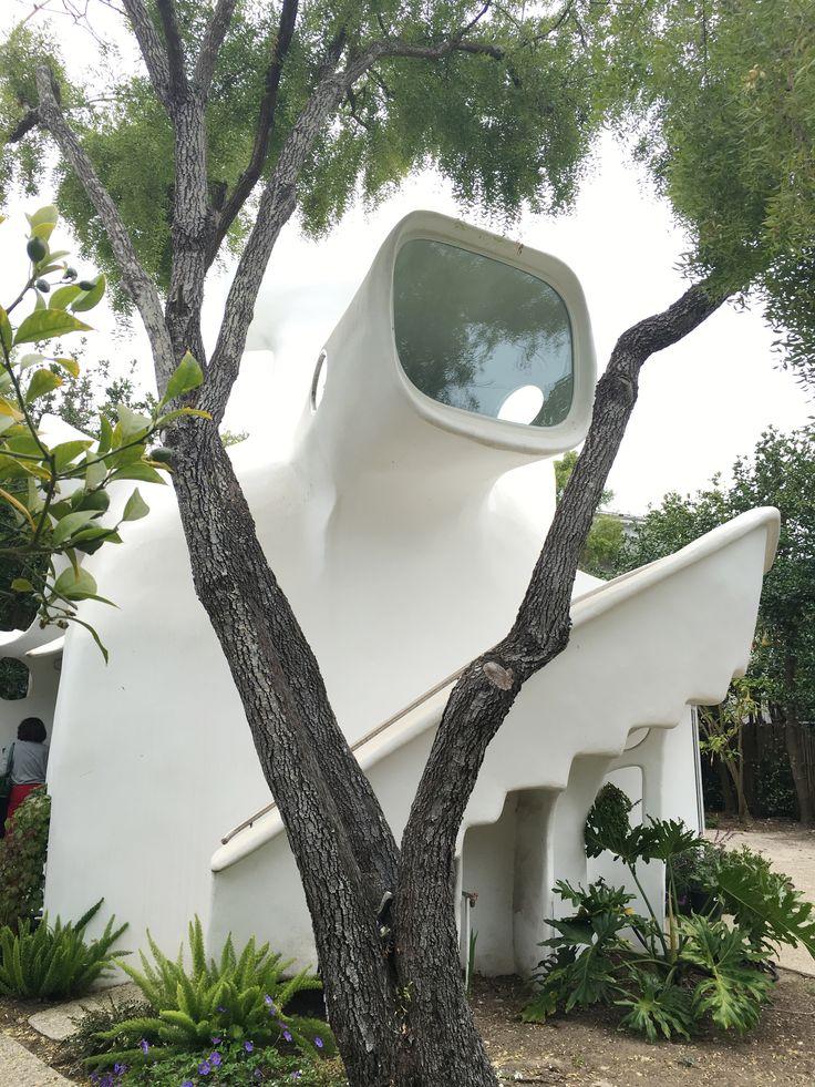Spaceship House La Selva Beklina