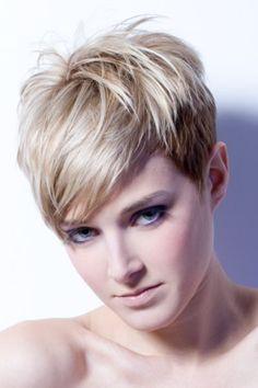 Moderne Kurze Haarschnitte Von 2015-2016 Check more at http://www.rfrisuren.com/frisuren-kurz/moderne-kurze-haarschnitte-von-2015-2016/