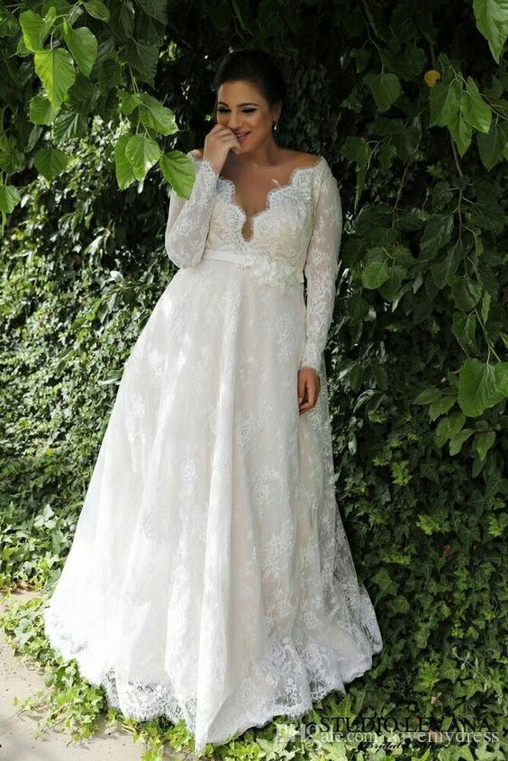 2018 Lace Plus size Wedding Dresses V Neck With Long Sleeves Applique Illusion Beach Garden Stylish Wedding Gowns Cheap Designer New