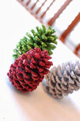 Manualidades de Navidad: Conos de pino con glitter