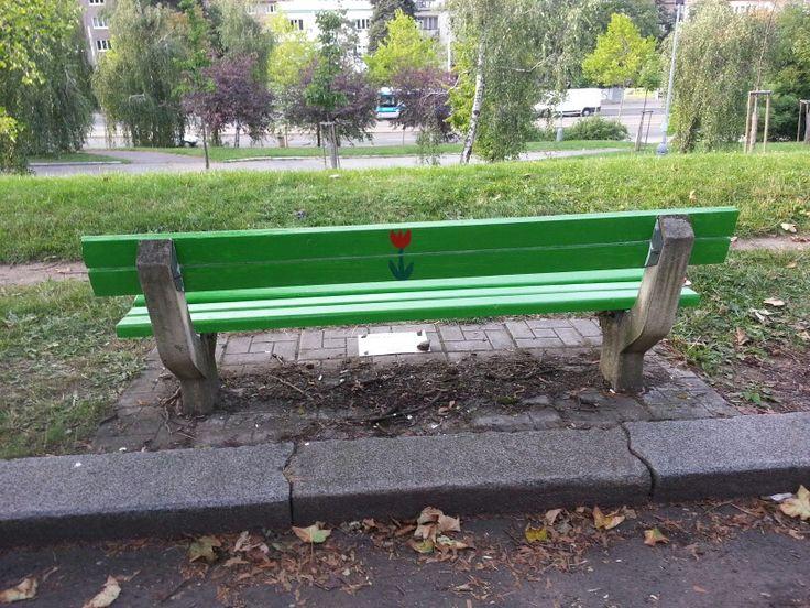 Kvetinova lavička zezadu