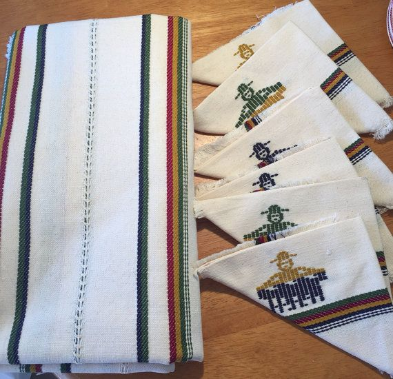 Traditional Guatemalan Tablecloth with Matching by LosChapines