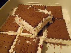 Το Παγωτό του facebook. | 1 ζαχαρούχο γάλα, 1 γάλα εβαπορέ, 1 morfat, 1 πακέτο μπισκότα πτι-μπερ