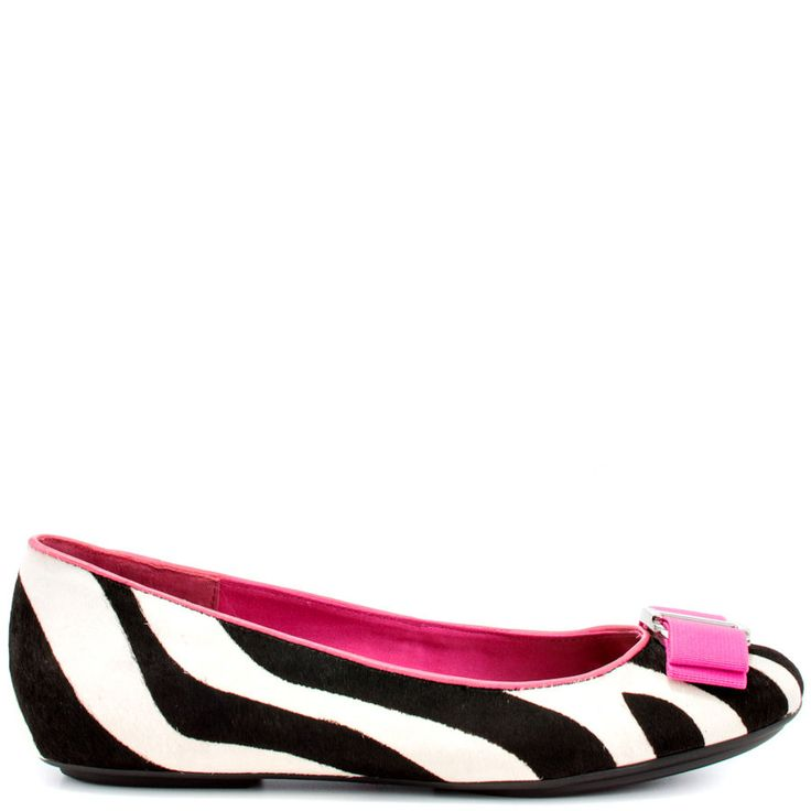 You'll look fabulous all day in this classy style by Isaac Mizrahi. Black and white zebra printed cow hair covers the upper, while being accented by pink piping and buckle detail at the vamp. Sweeten up any ensemble with the Fablolae.