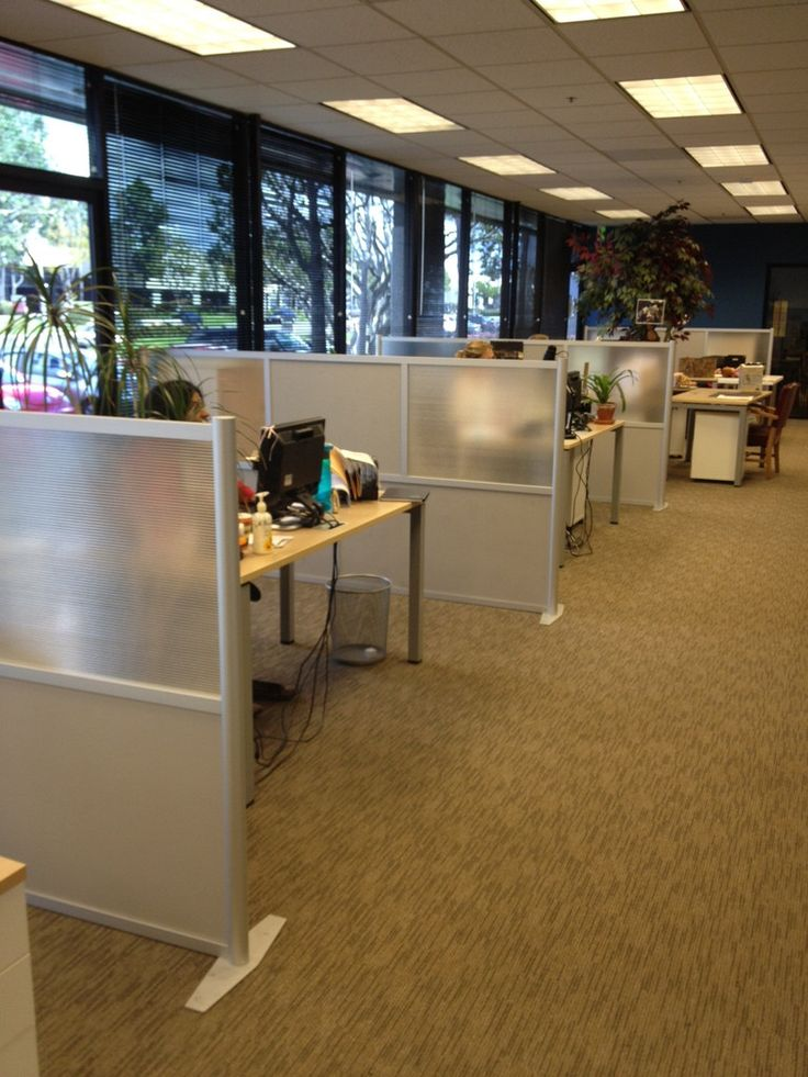 Low Height Office Partitions To Divide Work Spaces