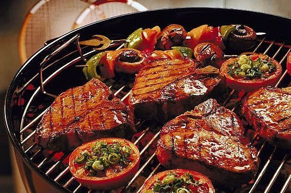 Cuisinez dehors ! BBQ : Le barbecue entre amis Partager un repas convivial et savoureux ! Combien de merguez quasiment calcinées avez-vous déjà englouti ? Combien de brochettes de poulet mi-cru avez-vous dû ingurgiter sans rechigner ? Oui, réussir un...