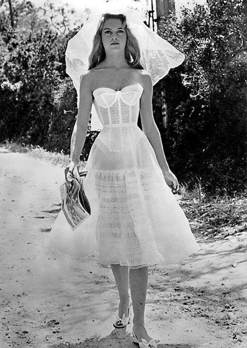 Brigitte Bardot en robe de mariée sur le tournage du film Et dieu... créa la femme http://www.vogue.fr/mariage/inspirations/diaporama/robes-de-marie-vintage-vues-sur-pinterest-dior-ysl-balenciaga-pierre-cardin-birkin-bardot/22344#brigitte-bardot-en-robe-de-marie-sur-le-tournage-du-film-et-dieu-cra-la-femme