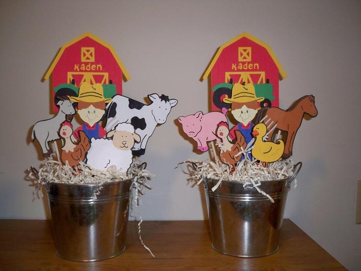 FARM OR BARN animal birthday party centerpiece (1 centerpiece)