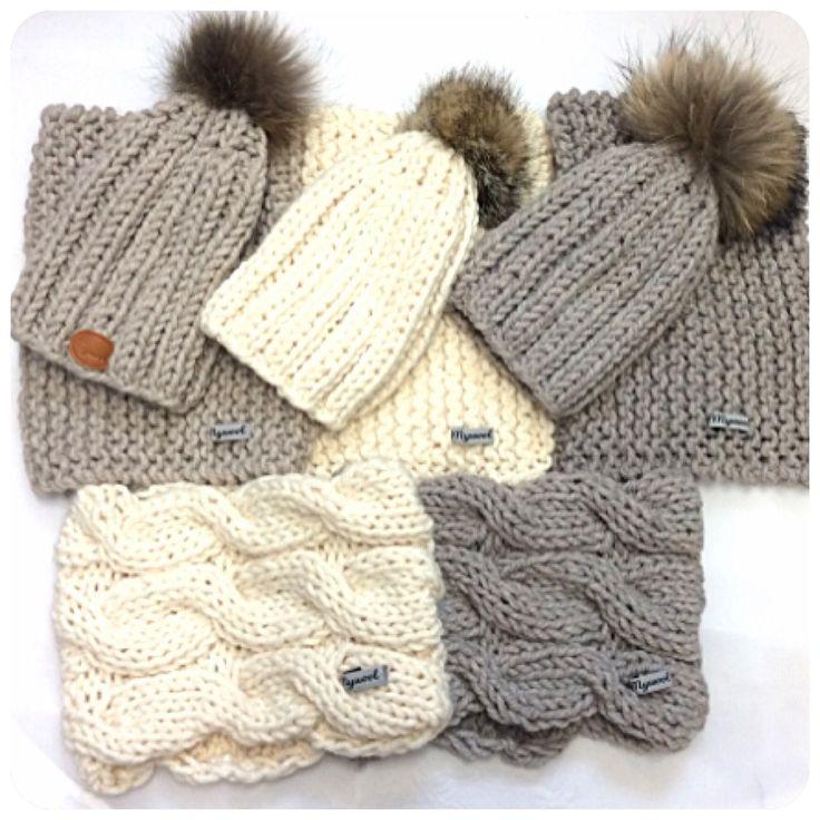 Gorros de lana con pompón. Hechoamano. Handmade. Gorros niño. Www.mywool.es. Cuellos de lana. Gorros chica. Gorros chico. Bufandas.