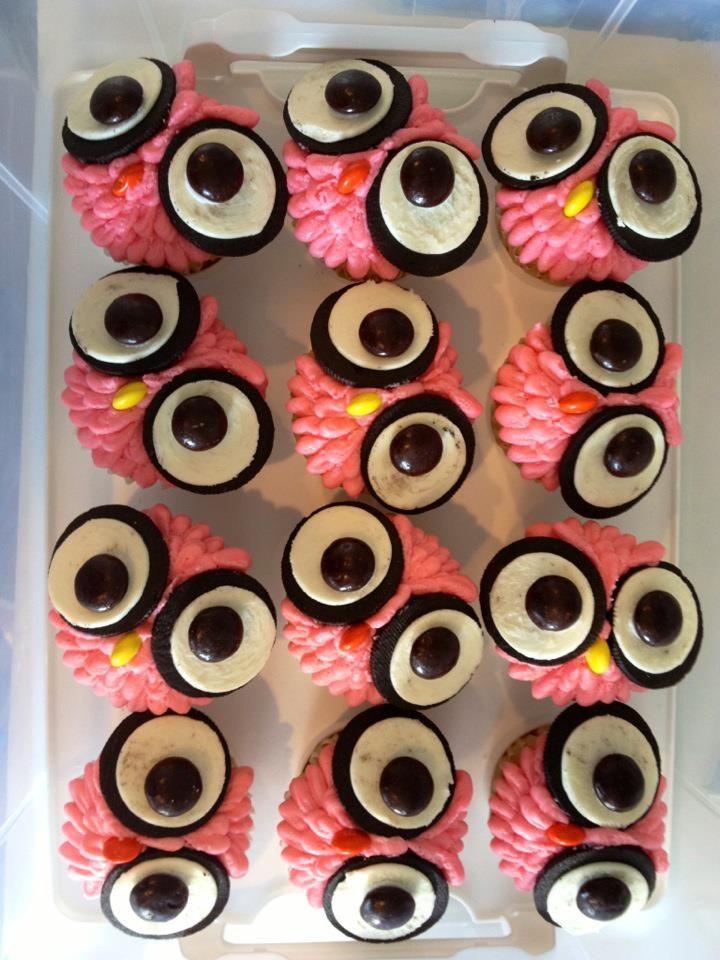 Owl cupcakes using Oreo cookies