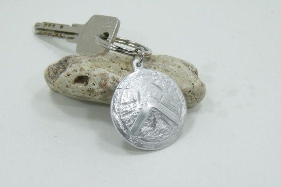 Spartan Shield Keychain  Aluminum Hand made by Aluminiopassions