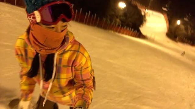 꽃보더 나가신다 😆 .  #일상 #겨울레포츠 #겨울레저 #스노우보드 #스노우보딩 #강촌엘리시안 #심야보딩 #초보보더 #이제부터시작이야 #고수가되는그날까지 #재미지다 #설렘가득 #snowboard #snowboarding #daily #dontgiveup #youcandoit