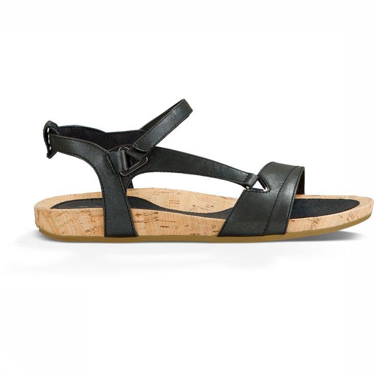 De rijk uitgevoerde TevaCapri is er voor de vrouw die elegantie zoekt zonder een compromis te hoeven maken in comfort. De Capri Universal is een modieuze sandaal met verstelbaar bandje voor een goede fit. Verken een Europese hoofdstad tijdens een inspirerende citytrip of ga een dagje naar het strand. Met deze comfortabele sandaal kun je urenlang wanden zonder zere voeten. Het stijlvolle design en uitstekende voetbed maken deze sandaal ook uitermate geschikt voor dagelijks gebruik. Combineer…