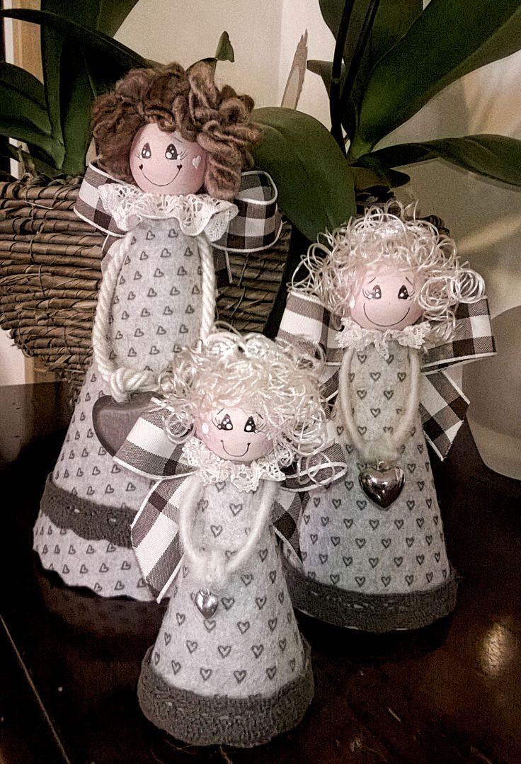 Angeli in feltro stampato.Fatti a mano con amore.Idea regalo per Natale.