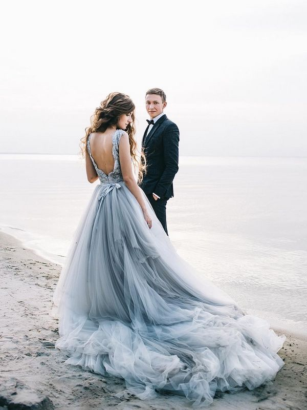 20 Of The Prettiest Beach Wedding Photo Ideas Baby Blue Wedding