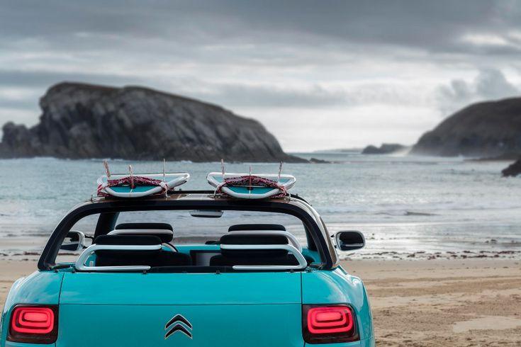 Cette surprise est le Concept-car Citroën Cactus M qui prend ses inspirations de l'illustre & inimitable Citroën Méhari. Sur la base d'un Citroën Cactus, les designers de la marque ont réalisé une assez belle voiture de plage, pratique et fonctionnelle.
