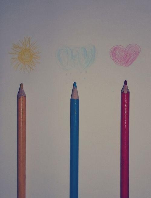 Numa folha qualquer  Eu desenho um sol amarelo  (Que descolorirá!)