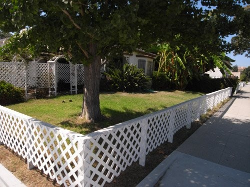 short fence to keep the neighborhood dogs from peeing and pooping in my yard