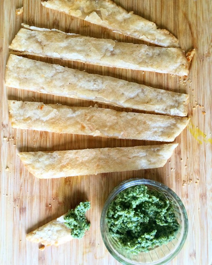 So Yuca bread (Casabe) has actually been around for a long time, Dominicans, Brazilians & other Latin cultures have been using yuca flour & yuca root to bake with for ages! Although their r…