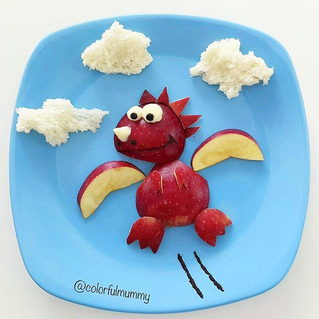 Baby dragon is learning how to fly... Apple, cheese, olive , olive paste, bread...