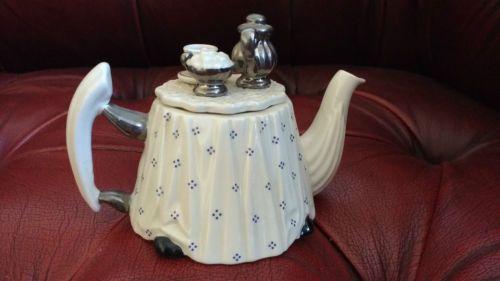 PAUL-CARDEW-VICTORIAN-TEA-TABLE-COLLECTORS-TEAPOT