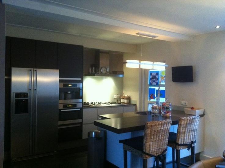 17 beste idee n over amerikaanse keuken op pinterest houten werkbladen houten keuken for Kleine amerikaanse keuken met bar