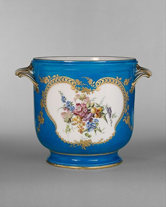 stores like tiffany and co Vincennes Manufactory French ca        Wine bottle cooler seau  bouteille     was developed at Vincennes in   and was immediately put to use in a table service for Louis XV