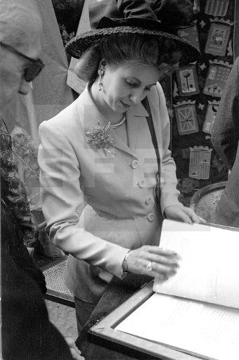 Madrid, 13-6-1947.- La esposa del presidente de Argentina, Eva Duarte de Perón visita el Instituto Nacional de Previsión. EFE/Vidal.