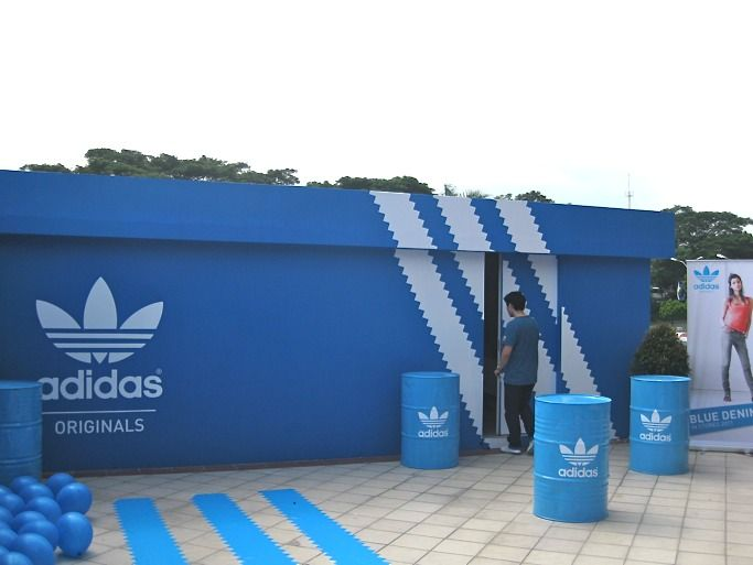 adidas shoe store box