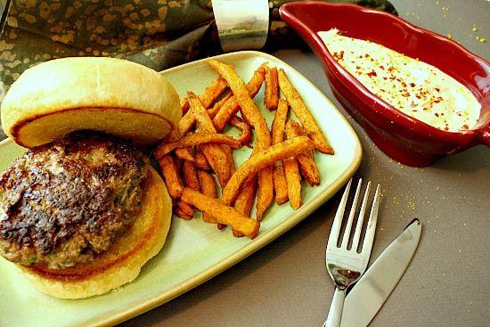http://highlandsranchfoodie.com/2012/02/silver-spur-ranch-blue-cheese-hamburgers/#.WgTVebXRWM9