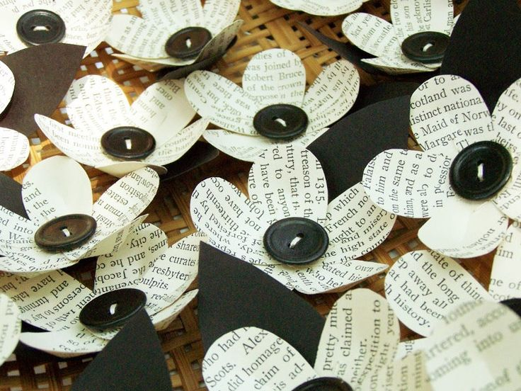 10 Vintage Book Page Flowers -Boutonniere Idea -Wedding Decoration -Paper Flower -Black and White Wedding -DIY Wedding Accessory