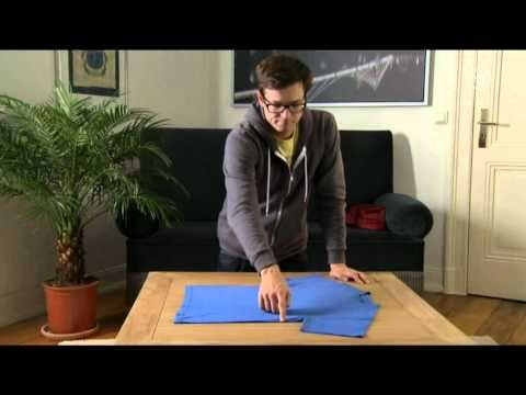 How to quickly fold a T-Shirt. This is magic!