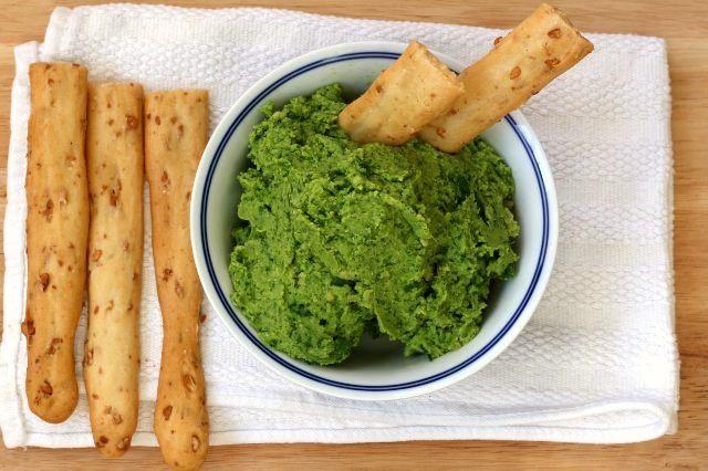 Humus de espinacas y almendras -http://www.pimientarosa.com/humus-de-espinacas-y-almendras/