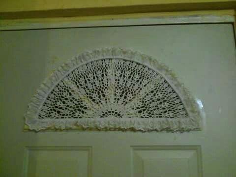 Cortina para ventana de media luna en crochet! Hecha por mi!