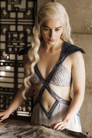 Daenerys Targaryen. I really want her hair.  #khaleesi