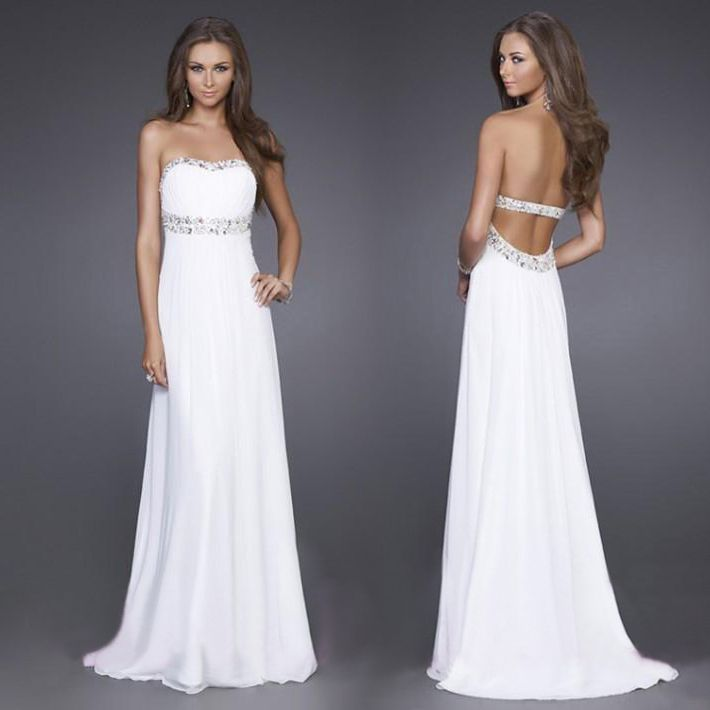 Sencillo pero elegante vestido de novia hecho a mano