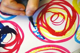 Inspired by Kandinsky circles, we paint some simple circles with watercolors using just the three primary colors, mixing them each...