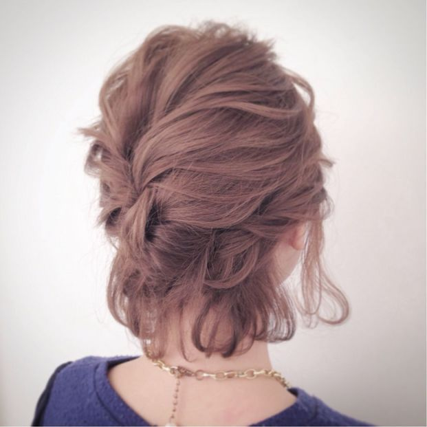 style - short hair updo