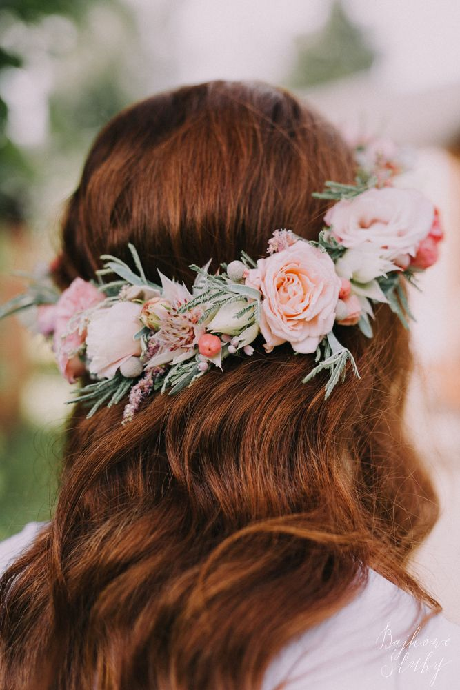 INNA Studio_ floral crown / wianek ślubny / fot. Bajkowe Śluby