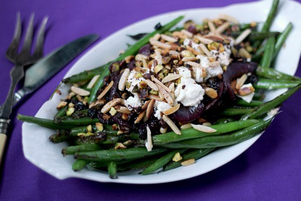 Middle Eastern Green Beans with Persian Feta and Roasted Nuts sounds amazing. i LOVE green beans and if these are anything like my Chaldean (Middle Eastern) family makes, I'm in! #GlutenFree