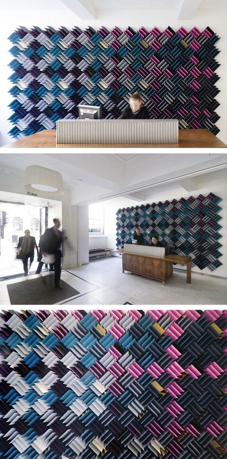Mur acoustique confectionné à partir de 780 morceaux de mousse acoustique. #mur…