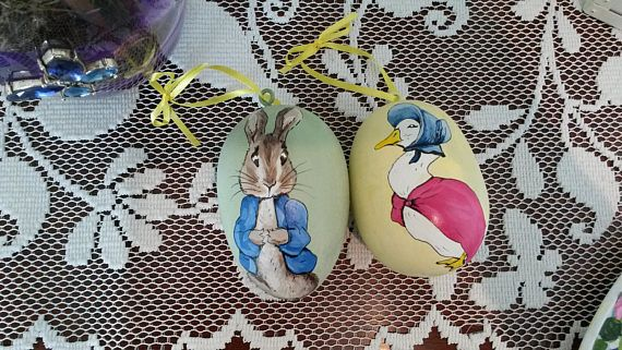 Check out this item in my Etsy shop https://www.etsy.com/listing/521619765/2-hand-painted-gourd-eggs-of-peter