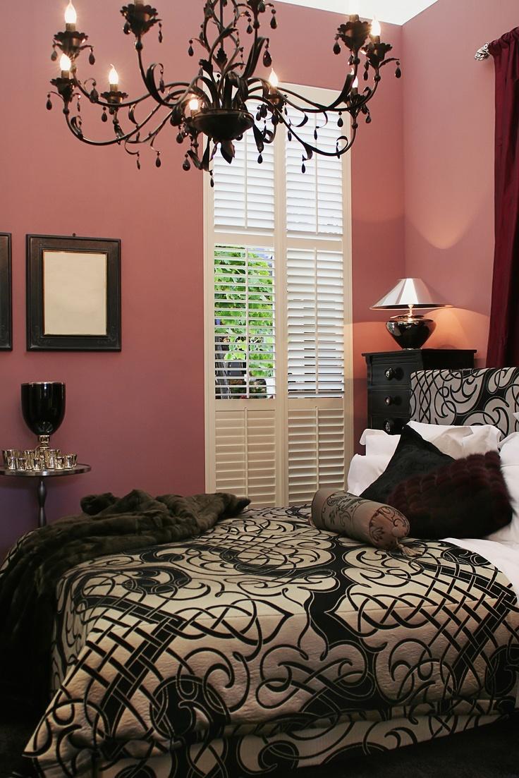 Bachelorette pad home ideas pinterest the chandelier for Bachelorette bedroom ideas