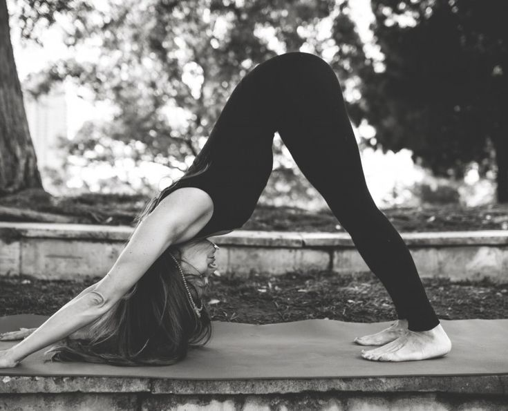 Posturas de yoga para aliviar el resfriado y la gripe