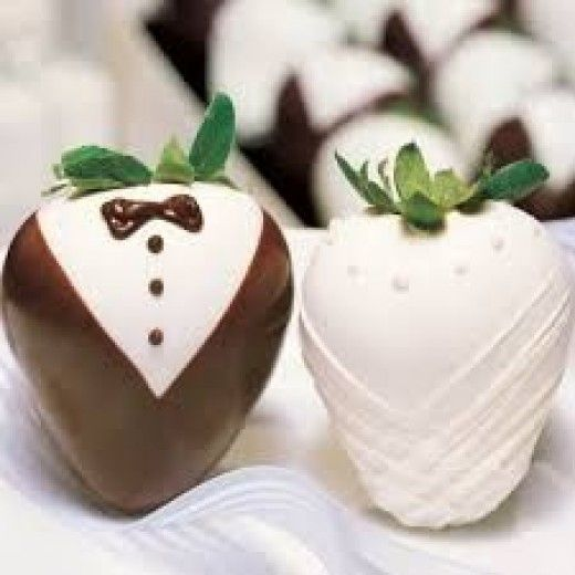 These chocolate strawberries arenthe perfect treat for adults and children alike on special occasions and at dinner parties. They look and taste amazing but are so simple to make!