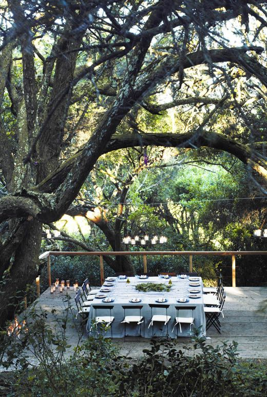 photograph by Pablo Zamora.: Green Home, Tables Sets, Square Table, Outdoor, Squares Tables, Dinners Parties, Design File, Gardens Parties, Rehear Dinners