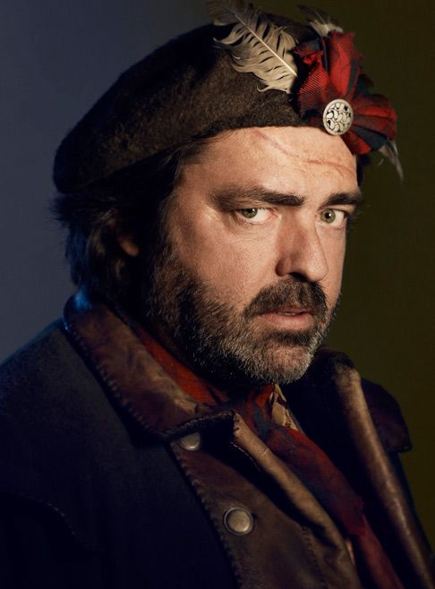 Robert the Bruce has come a loooong way! Angus MacFadyen as Robert Rogers