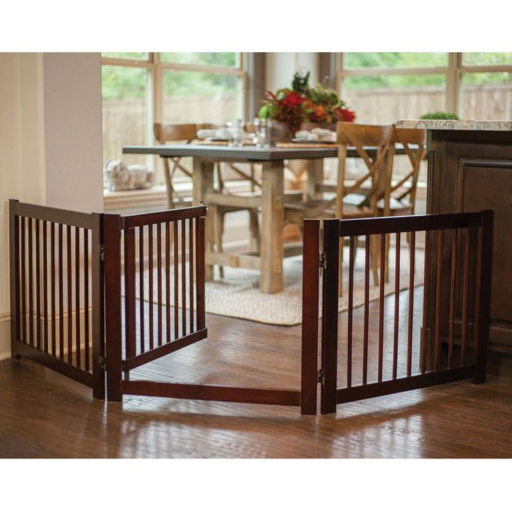 Beautiful, furniture-quality, freestanding pet gate offers the most popular features of the 360º Configurable Gate and created a new wide-panel design for even easier pass-through.