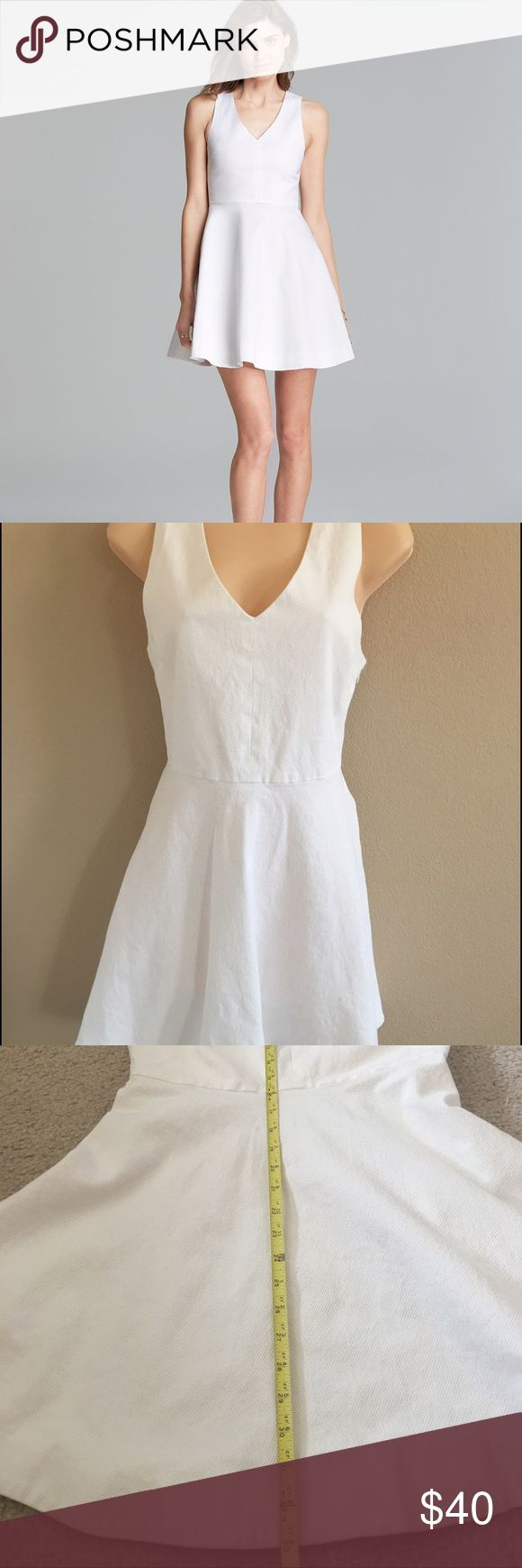Joie Fit& Flare Norton white cotton v-neck Dress In great condition! Refer to pictures for measurements. Joie Dresses Mini