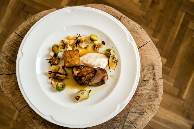 Pork with pickled quince, pickled mustard beans, Brussel sprouts and cauliflower puree. Photo credits, Cristian Ștefan Crâșmariu.